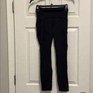 Lululemon size 4 (26) like brand new! Wore 3x's